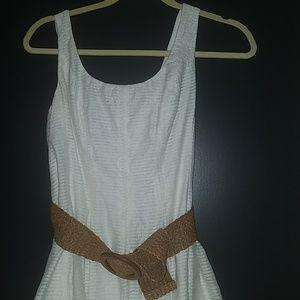 Nine West White dress size 6 with light brown belt